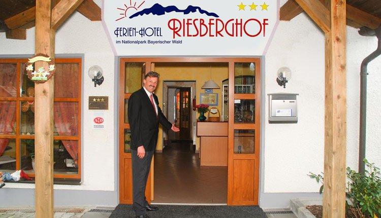U wordt war welkom geheten bij Hotel Riesberghof