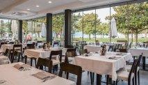 Vanuit het restaurant van Hotel Bellariva heeft u fantastisch uitzicht over het Gardameer