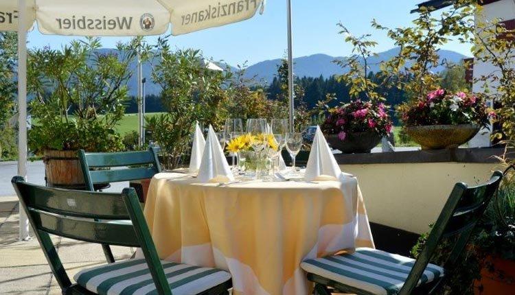 Van het buitenleven genieten op het terras van Gasthof Baumgarten