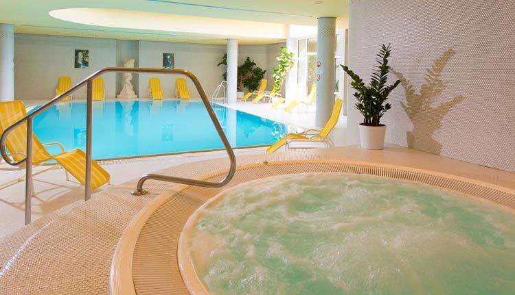 Leonardo Hotel Weimar - zwembad, jacuzzi