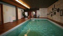 Gasthof Zinkenbachmühle beschikt over een binnenzwembad
