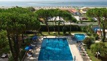 De prachtige tuin van Hotel Versilia Palace