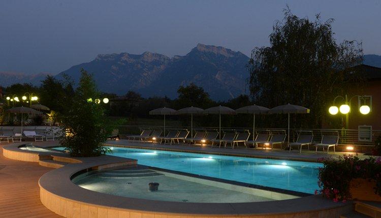 Het zwembad van Hotel Ambassador