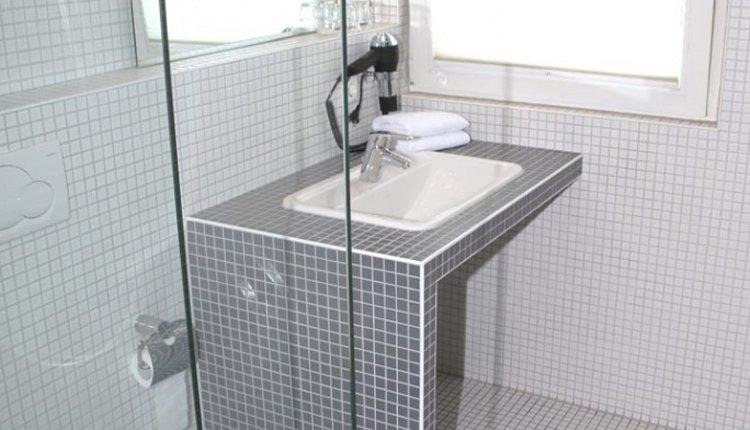 De badkamer in Hotel Traube is van alle gemakken voorzien