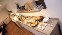 Elke morgen staat er een uitgebreid ontbijtbuffet klaar in Hotel Traube