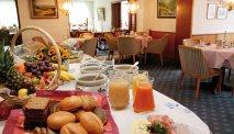 Elke morgen staat er een uitgebreid ontbijtbuffet klaar in Hotel Friederike