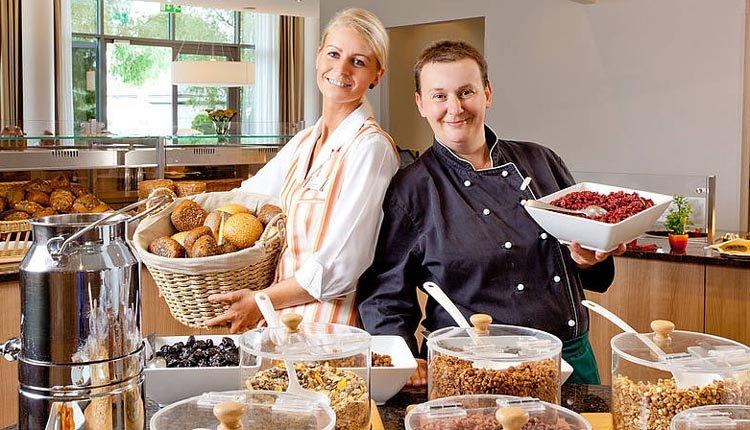 Elke morgen staat er een uitgebreid ontbijtbuffet klaar in Hotel Rugen