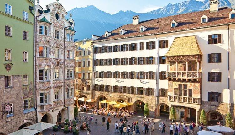 Ferienhotel Geisler ligt op ongeveer 6 km van Innsbruck