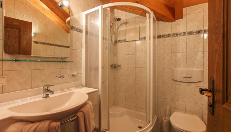 Hotel Zum Schweizer - badkamer