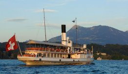 Maak een boottocht over het Vierwoudstedenmeer, bij Hotel Nidwaldnerhof