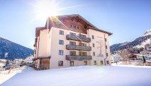 Hotel Bunda Davos in de winterse sneeuw