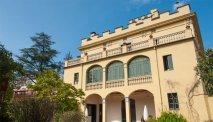 Het prachtige gebouw van Hotel Els Jardins de la Martana