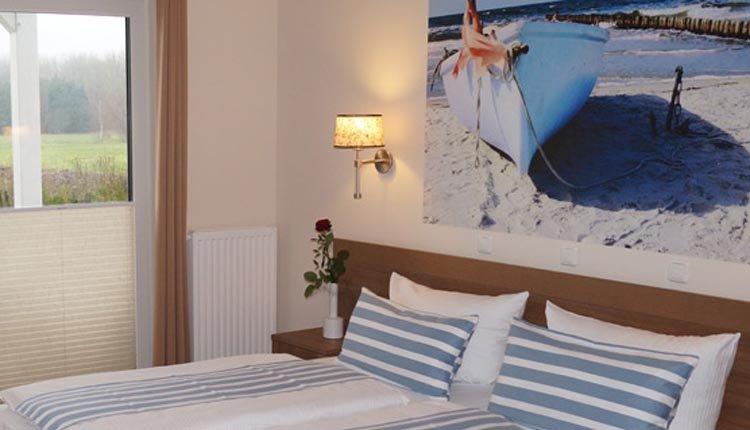 De tweepersoonskamers in Ostseehotel Boltenhagen zijn comfortabel