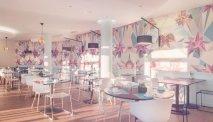 De ontbijtruimte in Hotel Les Jardins de Ste Maxime
