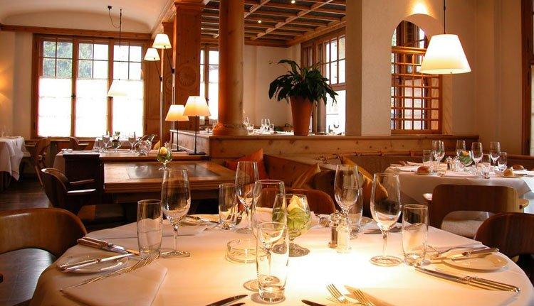 De gedekte tafel staat voor u klaar in Hotel Meierhof
