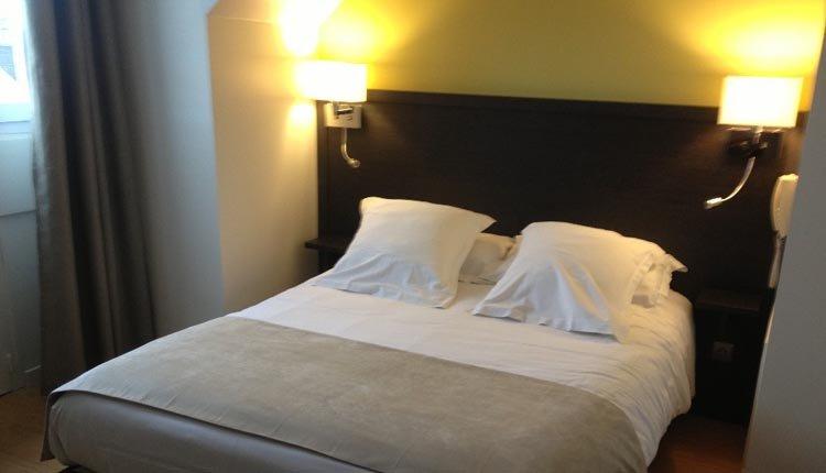 De tweepersoonskamers in Hotel de la Plage zijn comfortabel