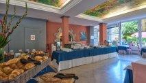 Elke morgen staat er een uitgebreid ontbijtbuffet klaar in Hotel Du Lac