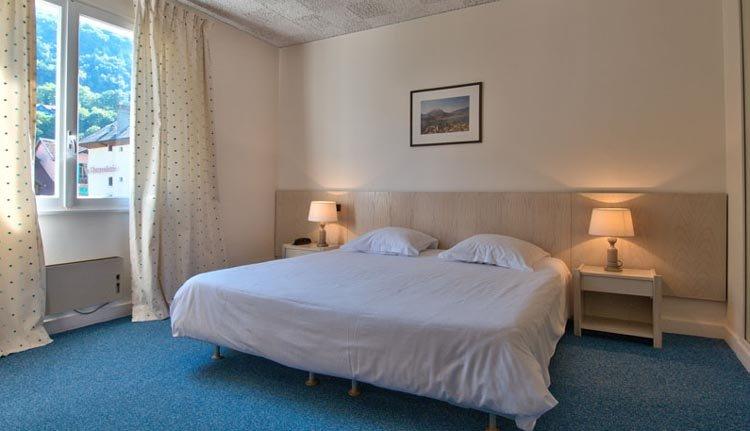 De tweepersoonskamers in Hotel Du Lac zijn comfortabel