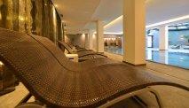 Hotel Latini beschikt over een zwembad en wellnesscentre om heerlijk te ontspannen