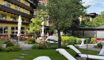 Hotel Latini - tuin met heerlijk terras