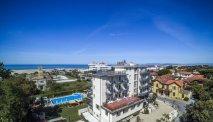 Hotel King ligt vlakbij strand en zee