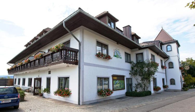 Hotel Weiss in Neustift