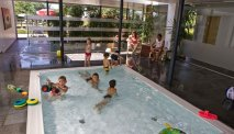 Hotel Weiss beschikt over een klein binnenbad