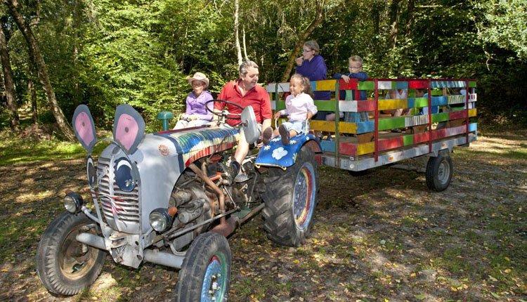 Hotel Weiss - ritje met de tractor