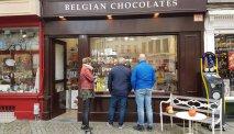 In Antwerpen duikt u uiteraard een van de heerlijke chocolaterieën in