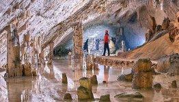 De grotten van Postonja in Slovenië