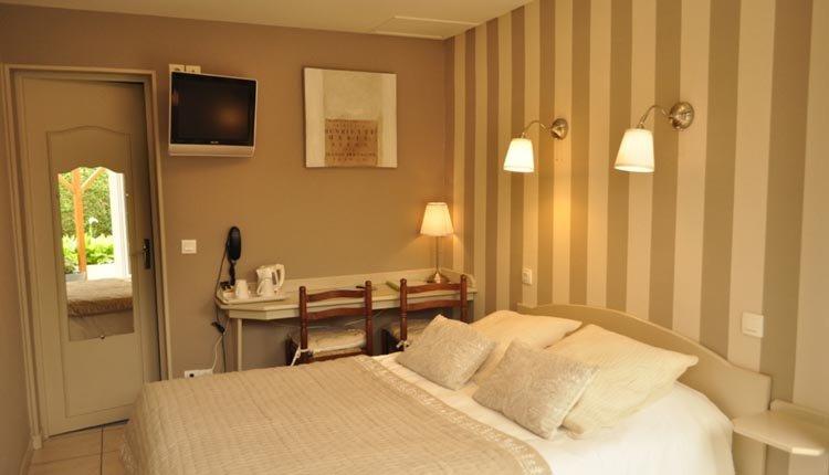 De tweepersoonskamers in Hotel La Rosière zijn comfortabel