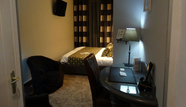 De tweepersoonskamers in Hotel Le Glacier zijn sfeervol en comfortabel