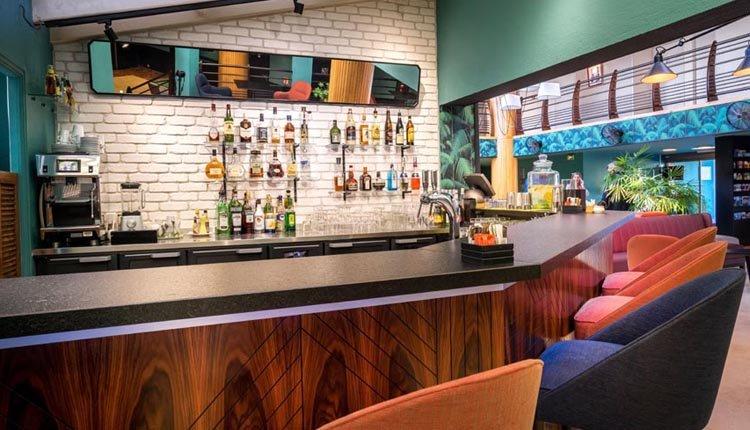 De bar in Best Western La Marina
