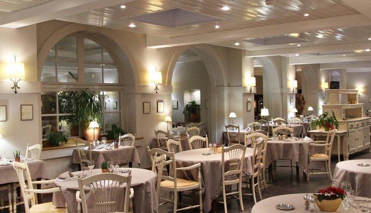 Het gezellige restaurant van Hotel de la Jamagne