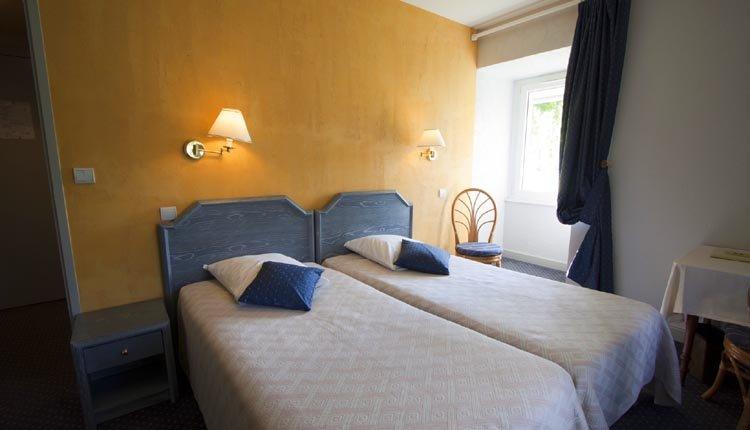 """De tweepersoonskamers """"Orangerie"""" zijn van alle gemakken voorzien"""