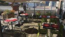Het gezellige terras van Hotel L'Aubergade