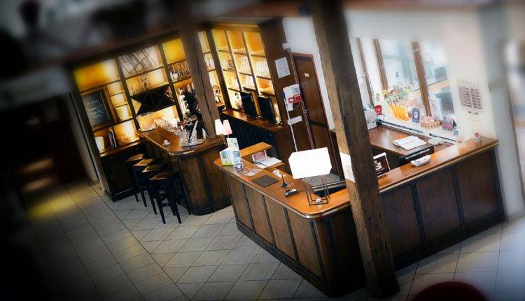Auberge des Moissons - receptie met kleine bar