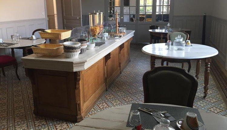 Start de dag met een prima ontbijtbuffet bij Auberge des Moissons