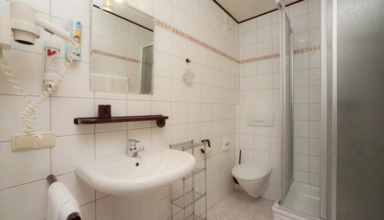 Hotel Villa Flora - 2-persoonskamer badkamer