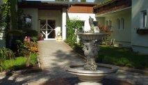 De entree van Hotel Villa Flora