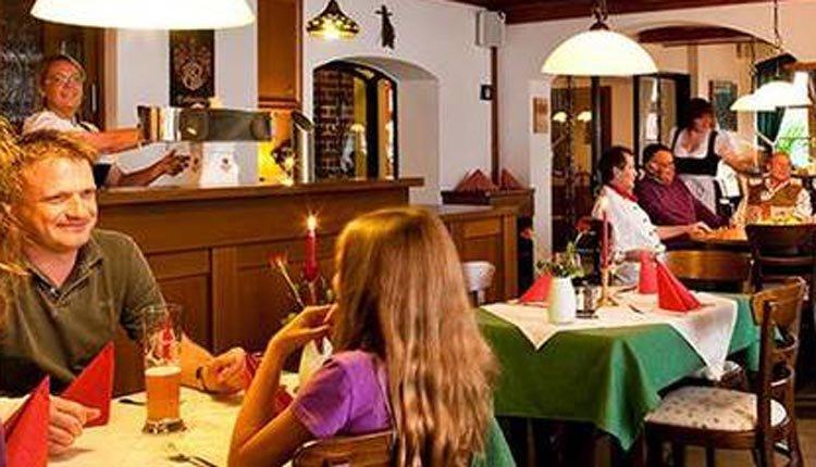 Het gezellige restaurant van Landhotel Gasthof Hohmann