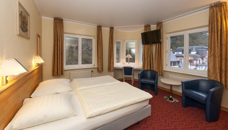 De tweepersoonskamer comfort in Hotel Belle Vue in Vianden is comfortabel