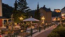 Het sfeervolle terras bij Hotel Belle Vue in Vianden