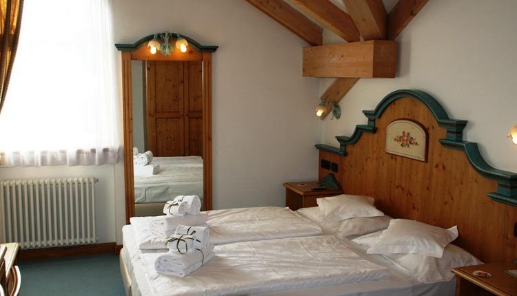 De comfortabele tweepersoonskamer in Hotel Bellavista