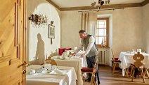 De gezellige ontbijtzaal in Romantic Hotel Excelsior