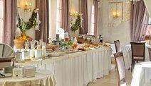 Elke morgen staat er in Romantic Hotel Excelsior een uitgebreid ontbijtbuffet voor u klaar