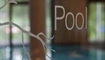Seeparkhotel Klagenfurt heeft een binnen- en een buitenzwembad