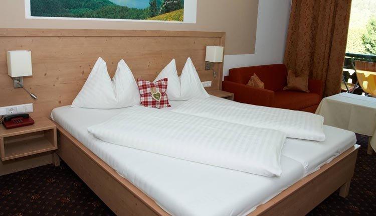 De tweepersoonskamers superior van Familiengut Burgstaller zijn comfortabel ingericht
