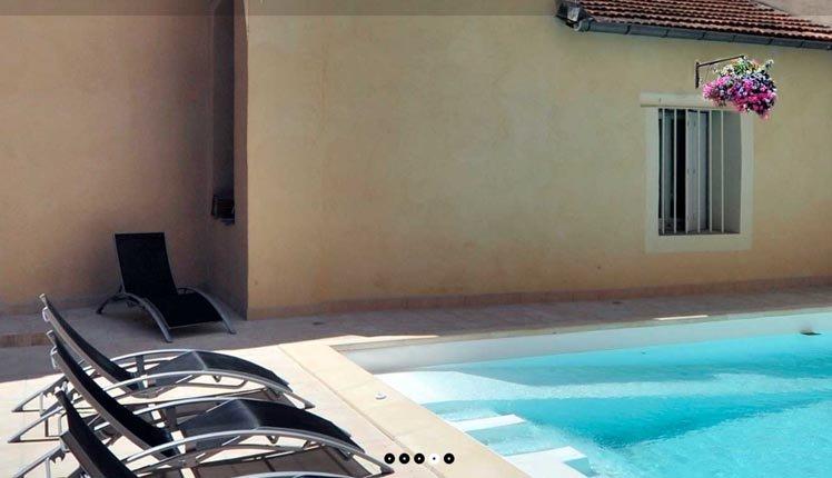 Het zwembad van Hôtel Arène