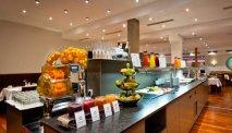 Elke morgen staat er een zeer uitgebreid ontbijtbuffet voor u klaar bij Hotel Goldenes Schiff
